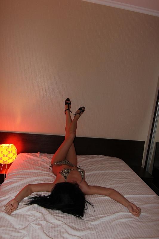 massazh-eroticheskim-vihino
